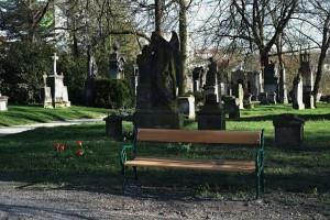Lavičky Mik. hřbitov 7